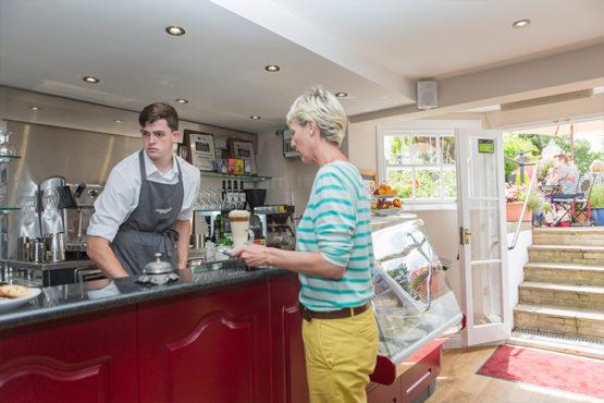 Breakfast Area - Gleneagles Guesthouse, Southend