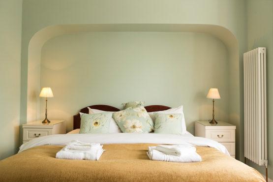 Gleneagles Room 3 - Bed