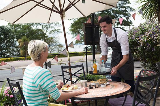 Tea Rooms Terrace service - Gleneagles Guesthouse, Southend
