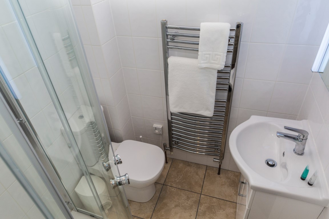 Gleneagles en-suite shower